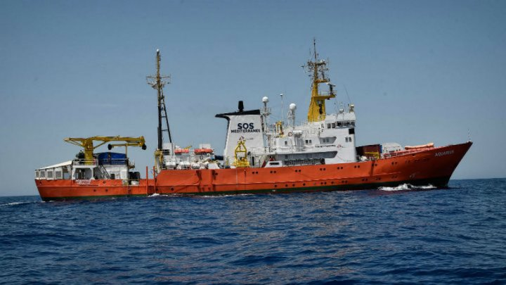 Italy orders capture of migrant rescue ship