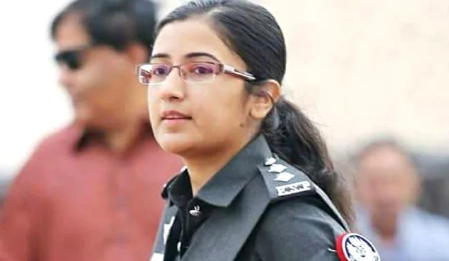Karachi woman officer rescues Chinese Consulate staff from terrorist attack